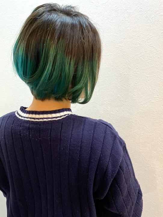 黒髪×グリーンボブ